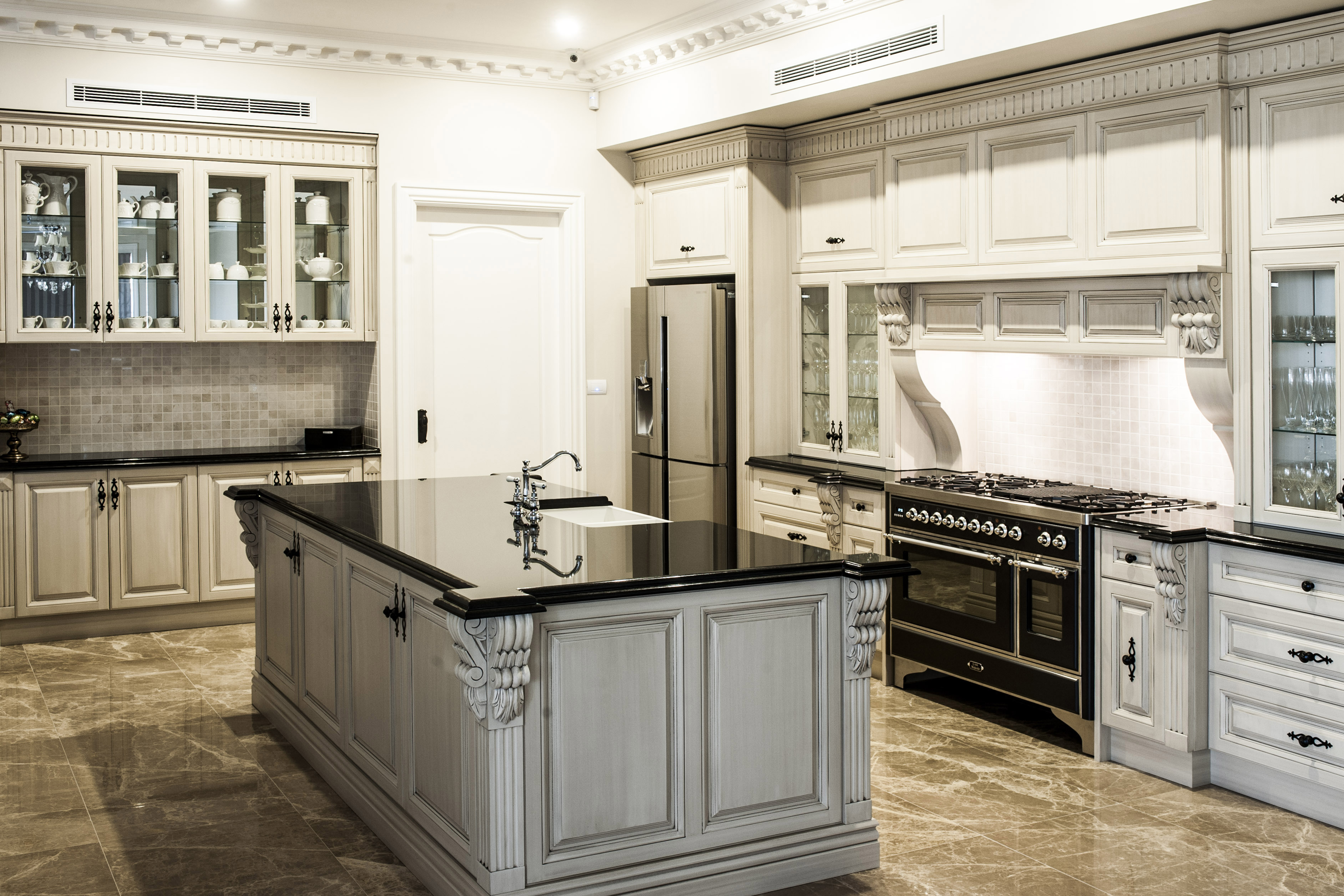 Designerspace kitchen and joinery for Serrurier lyon prix